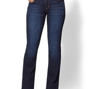 Petite Curvy Bootcut Jeans - Soho Jeans